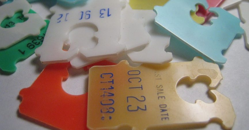 You can tell which day a loaf of bread was baked by the color of its plastic twist tag.