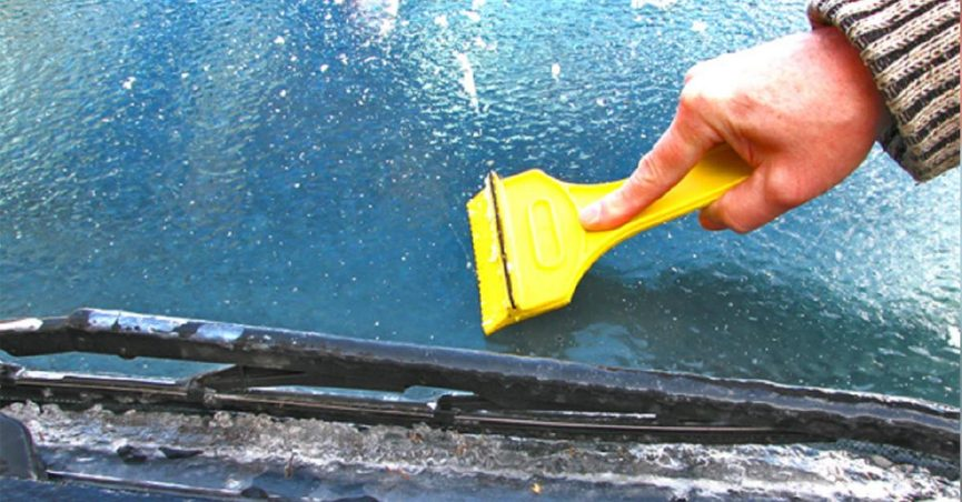 How To Get Ice Off Of Windshield >> Will A Vinegar And Water Mixture De Ice Your Windshield