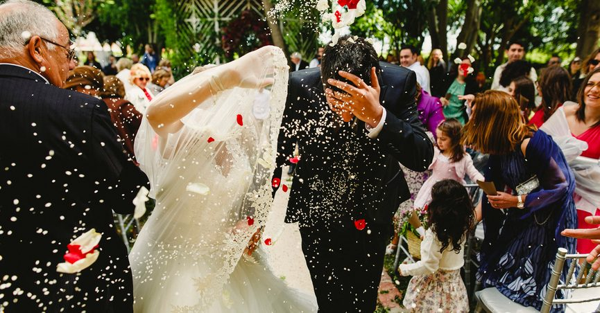 Bad Wedding Photos.Is Throwing Rice At Weddings Bad For Birds