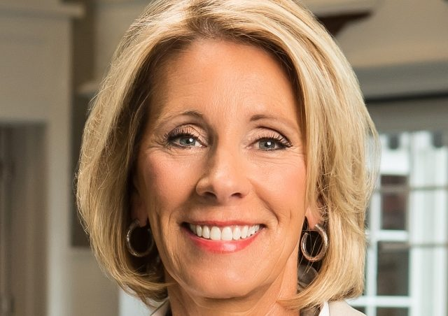 Betsy Devos Is Wrong About >> Fact Check Meet Betsy Devos Trump S Secretary Of Education Nominee