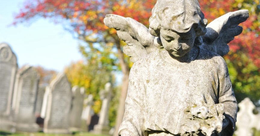 Angel statue in cemetary
