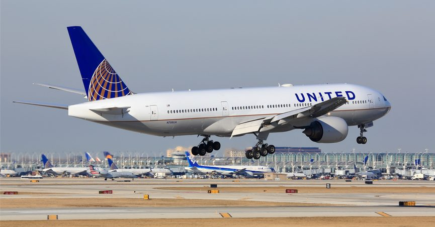 United Airlines airplane taking off