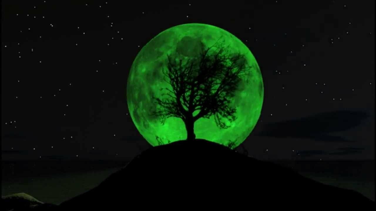 FACT CHECK: Will a 'Green Moon' Appear in April 2018?