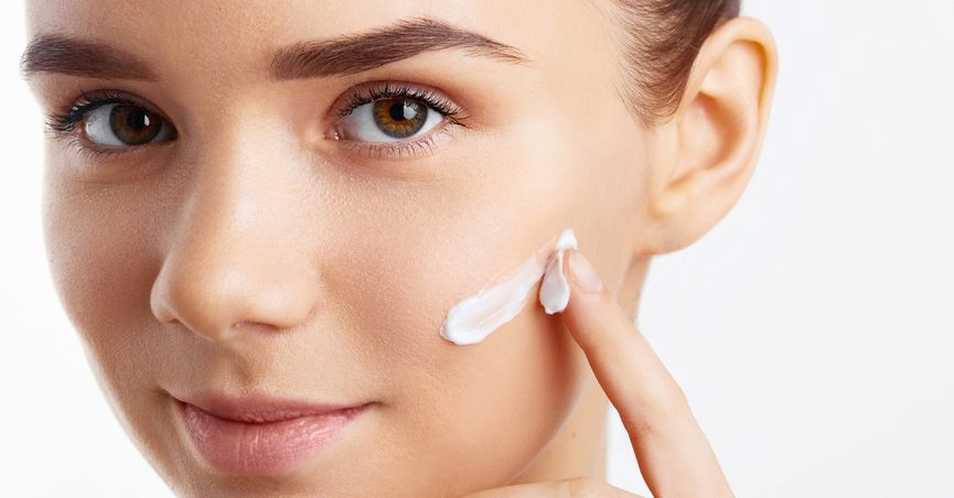 Fake Celebrity Skin Care Ads Dupe Consumers With Free Trial Offers