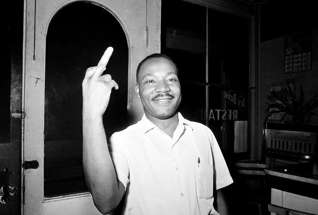 Fact Check Did Martin Luther King Jr Flip The Bird At A
