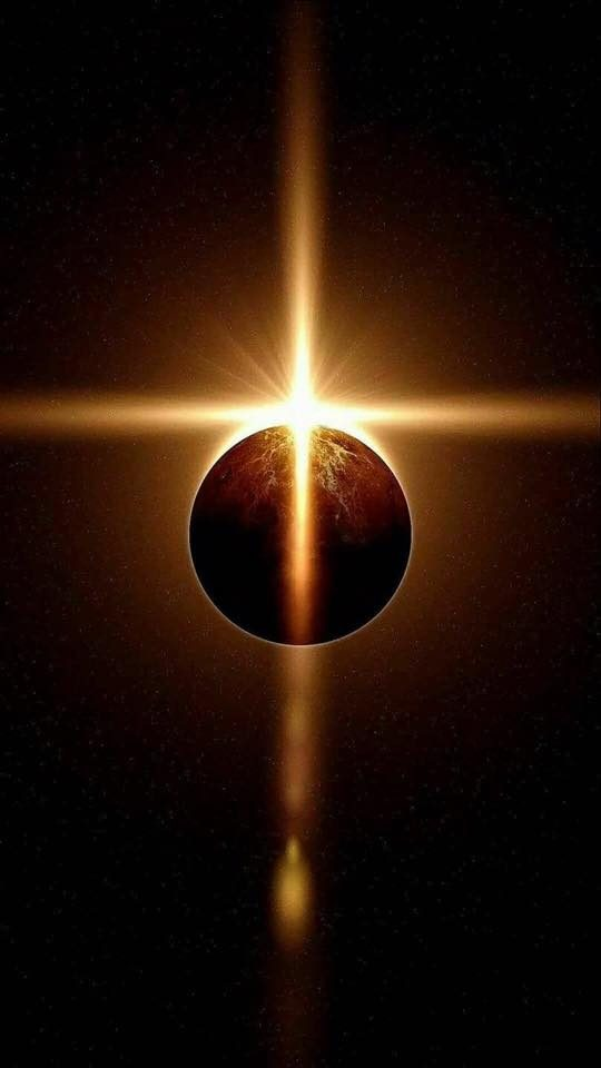 FACT CHECK: Did Sunlight Form a Cross During the Eclipse?