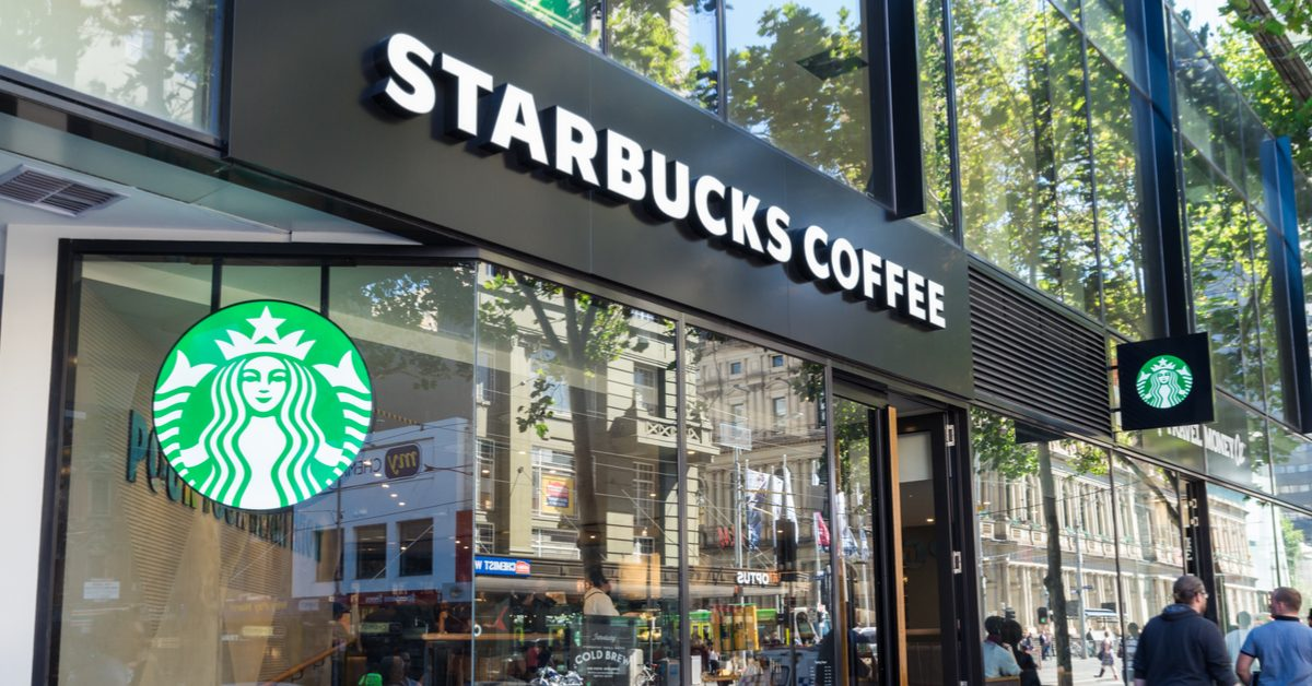 Is Starbucks Giving Away Free Frappuccinos to Anyone Who Yells 'Black Lives Matter' in Cafes? - snopes