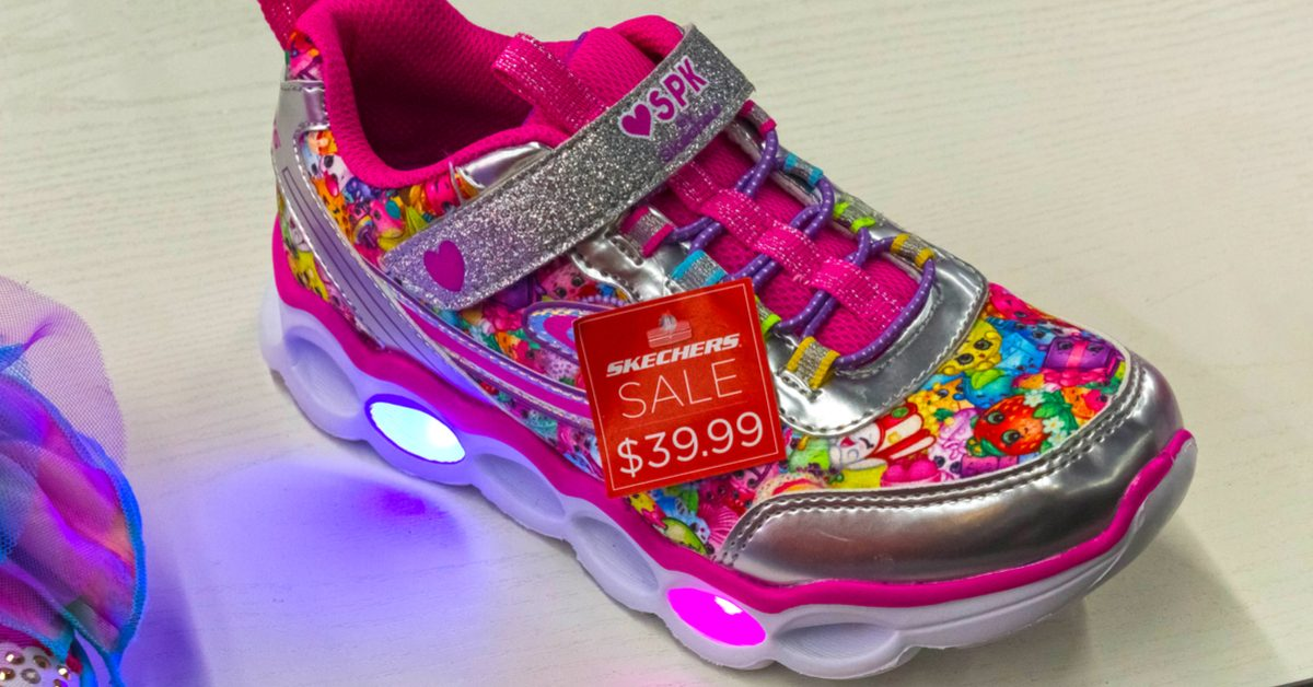 b40c2b84937 FACT CHECK: Did a Child Suffer Chemical Burns from a Skechers Light ...