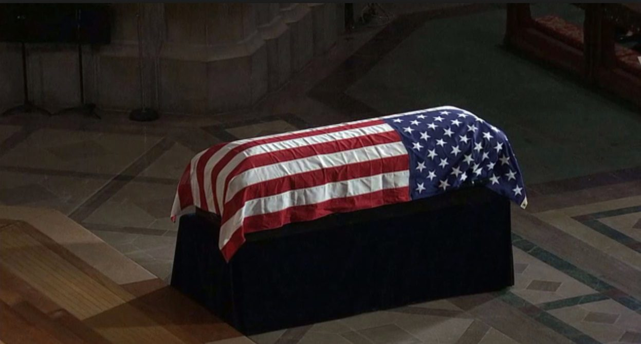 Was John McCain's Body Carried to Washington on Air Force Two? | Snopes.com