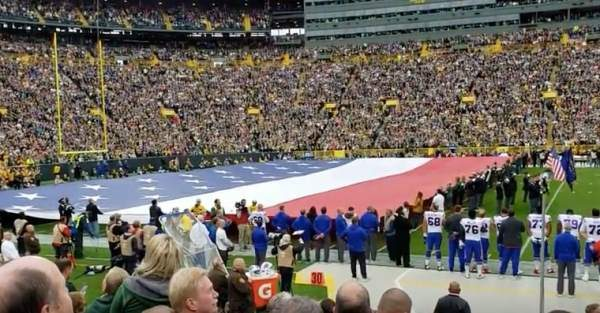 Did an NFL Team 'Redesign' the U S  Flag for a Pre-Game Display?
