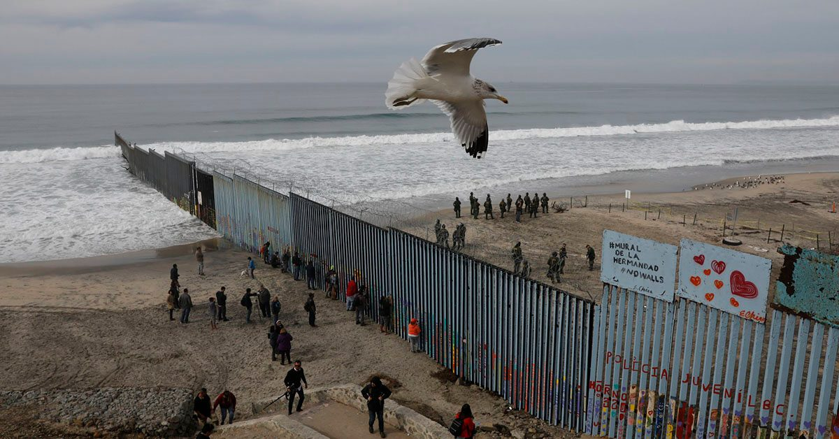 The South Chicagoan: EXTRA: ¿Border jumping?  |What Two States Border Mexico