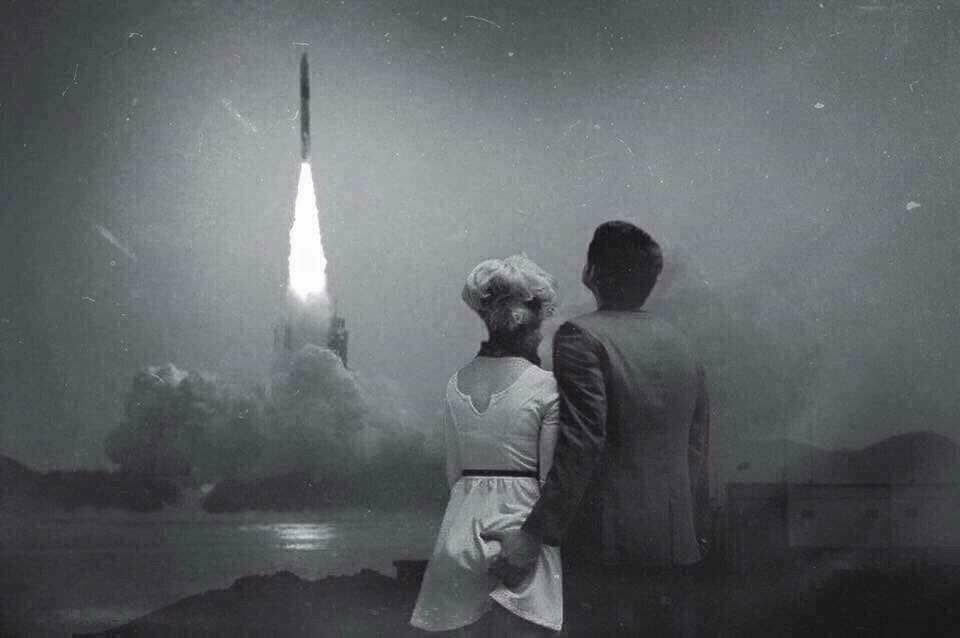 FACT CHECK: Is This Couple Viewing the Apollo 8 Spacecraft Launch?