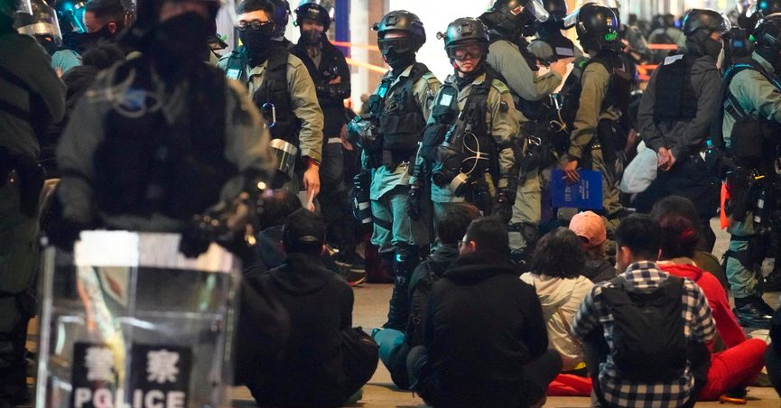 Police, Protesters Clash in New Year's Rally in Hong Kong