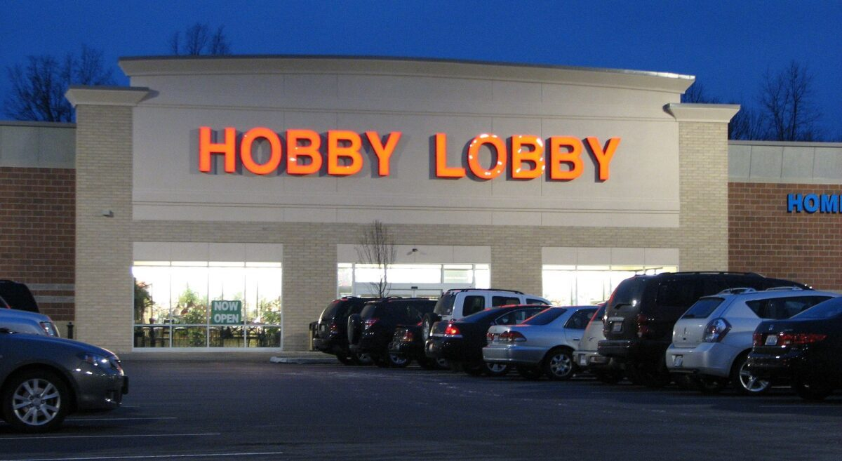Is Hobby Lobby Refusing To Close Stores Because of a Message from God? - snopes