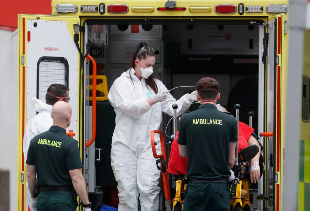 US, UK Brace for Soaring Death Tolls as Pandemic Bears Down