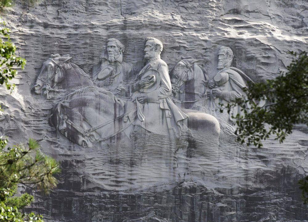 As Monuments Fall, Confederate Carving Has Size on Its Side
