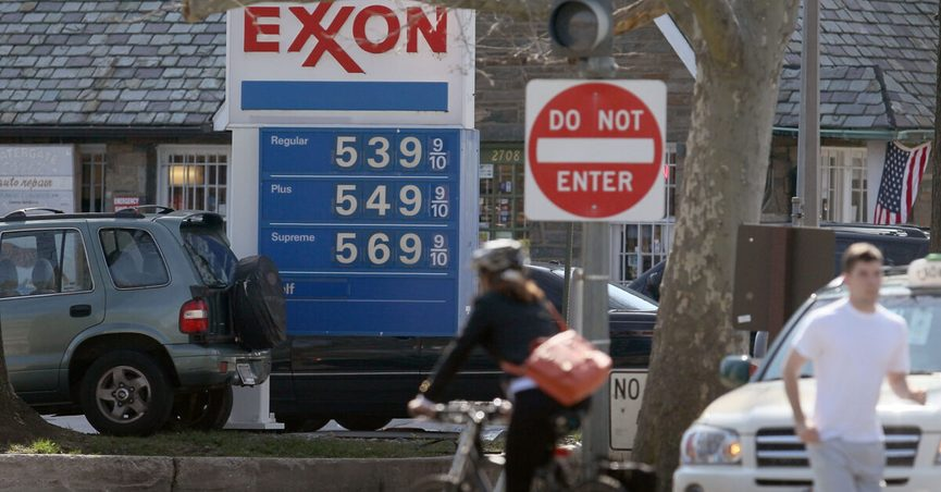 Viral images of Exxon gas station signs were shared in October 2020, ahead of Election Day.
