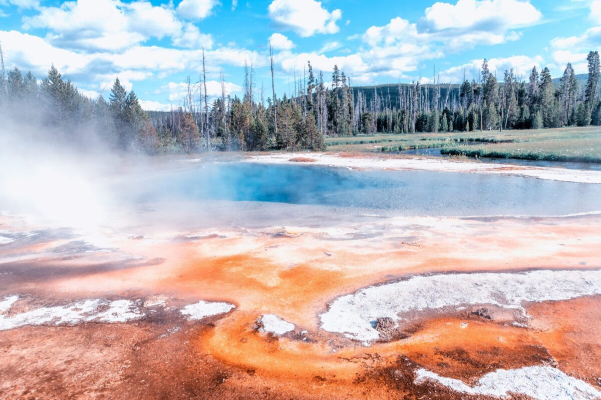 Does the Lawless Yellowstone 'Zone of Death' Exist? - snopes