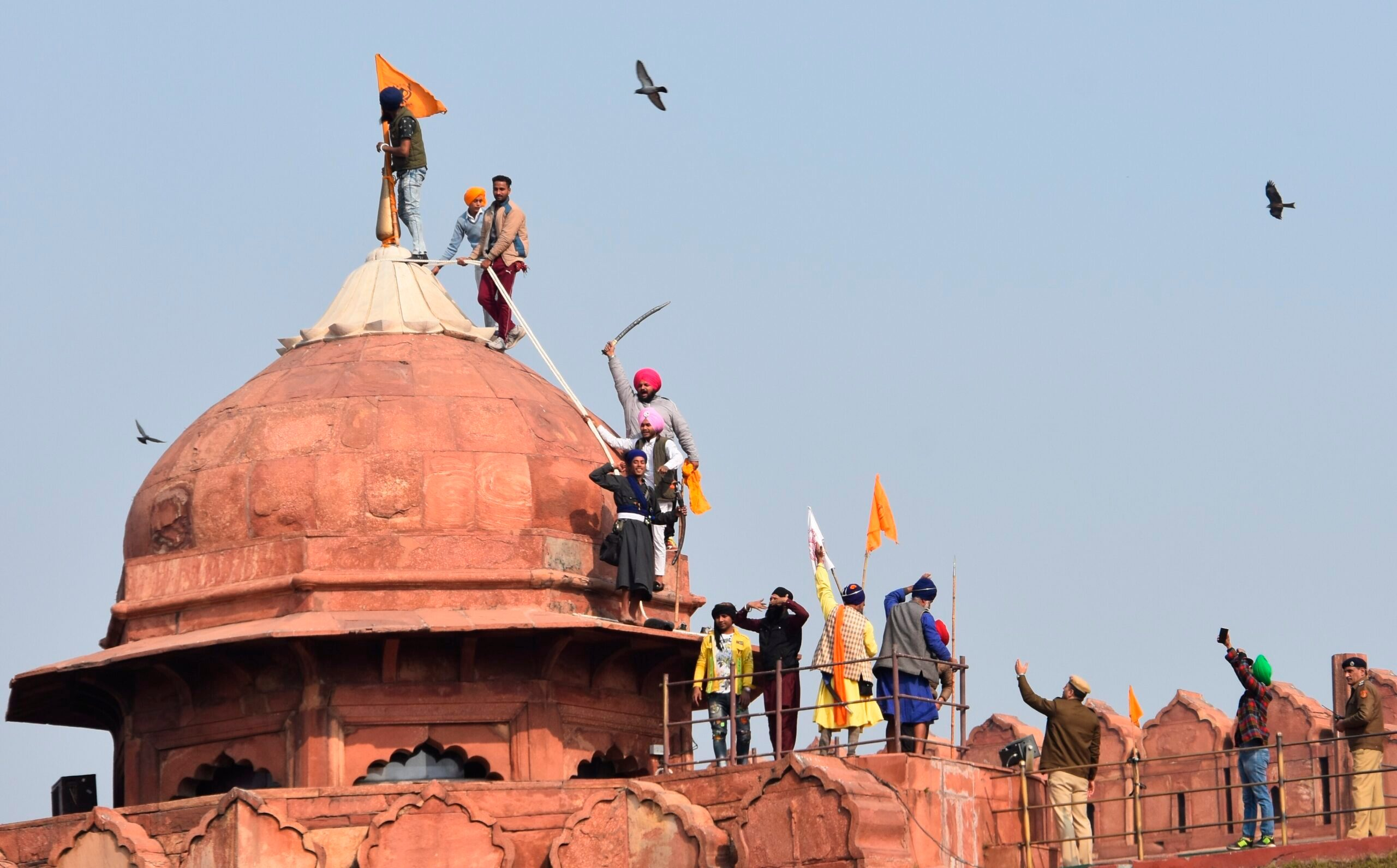 Angry Farmers Storm India's Red Fort in Huge Tractor Rally - snopes