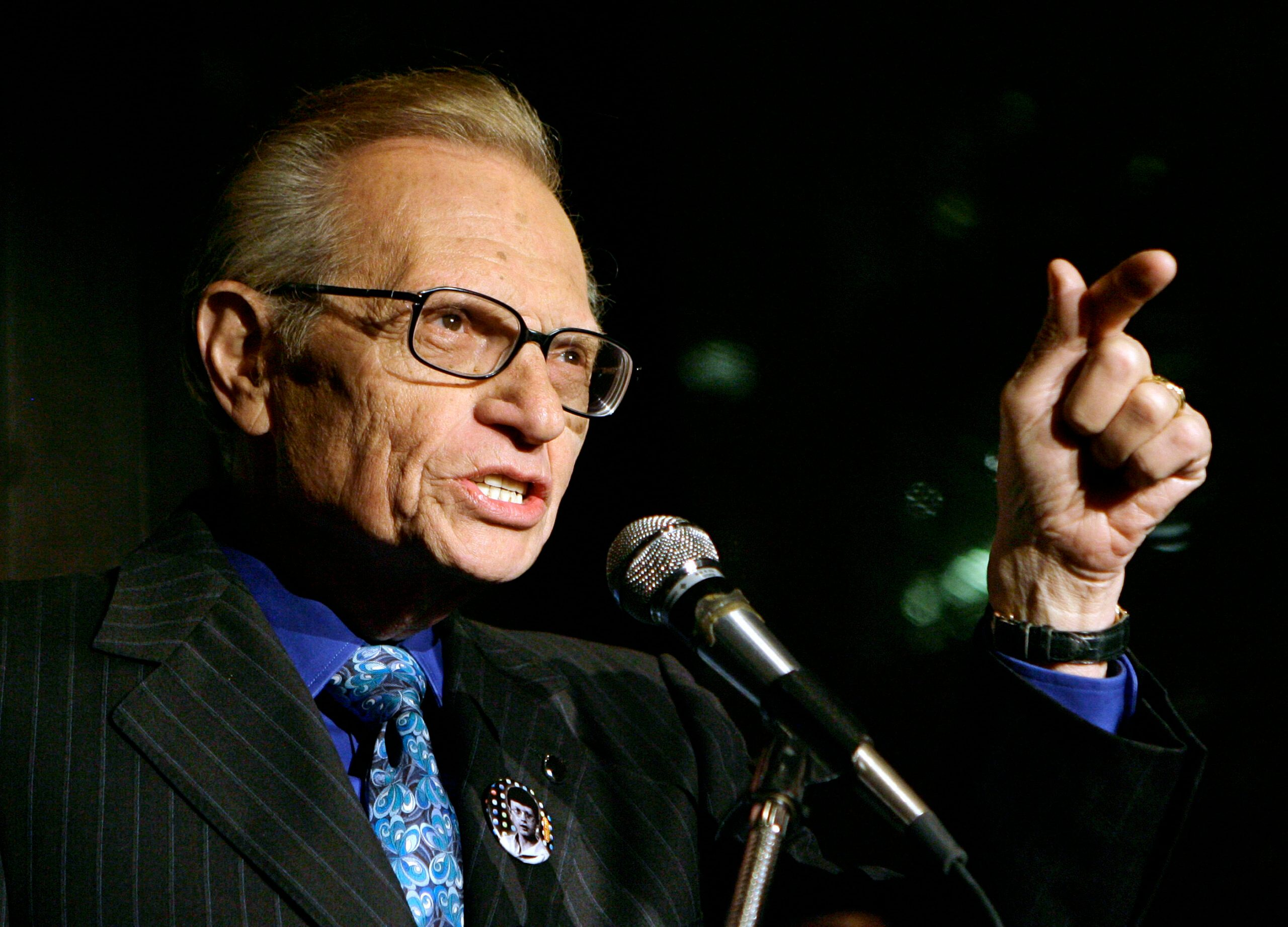 Larry King, Broadcasting Giant for Half-Century, Dies at 87 - snopes