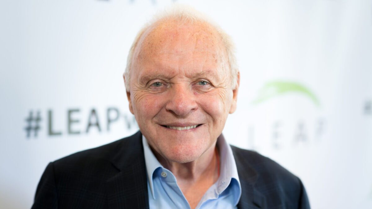 Is Anthony Hopkins One of the 'Shortest Men in Hollywood'? - snopes