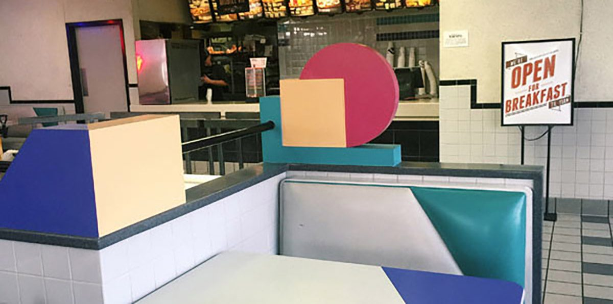 An oceanfront Taco Bell in Pacifica California serves adult beverages with alcohol.