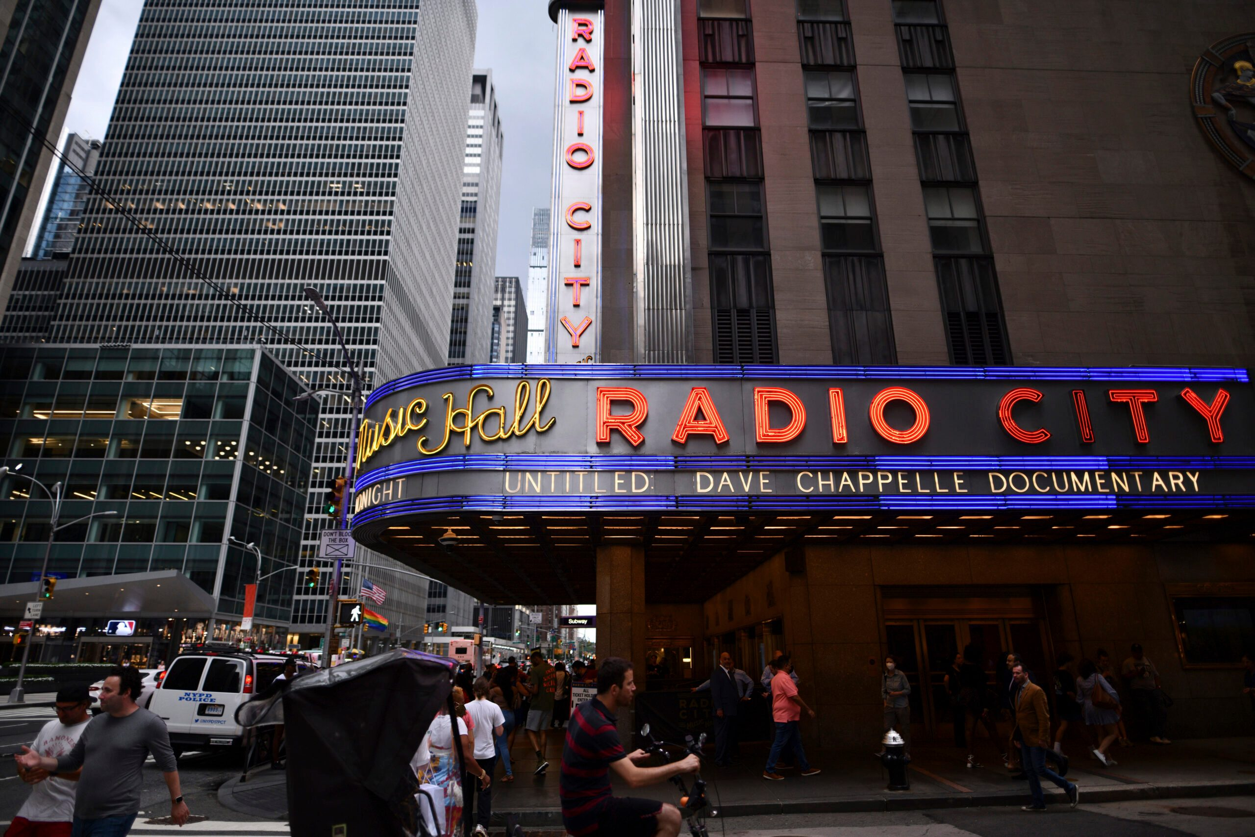 15 Months Later, Radio City Reopens with Dave Chappelle - snopes