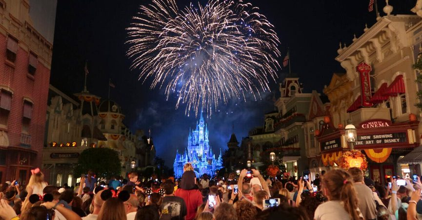 Disney World has no mosquitoes or so headlines YouTube videos and ads claimed.