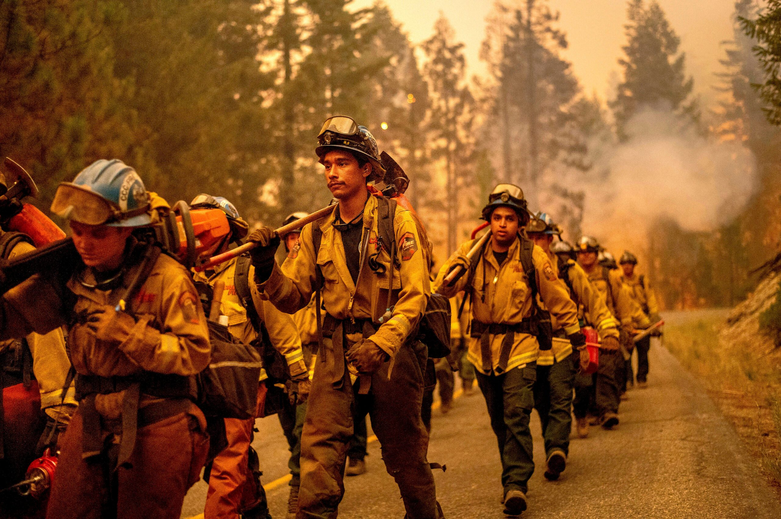 States Share Resources As Wildfires Rage Across US West - snopes