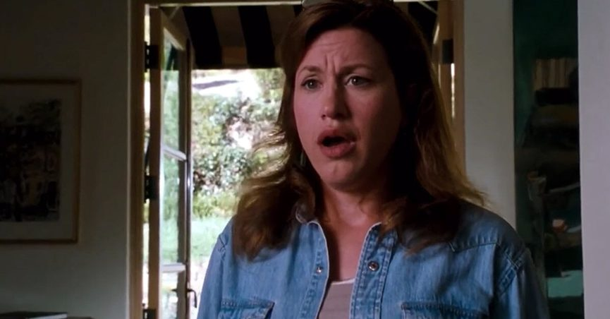 Lisa Ann Walter played Chessy in the 1998 film The Parent Trap and had identical twins on October 11 which was the same date Lindsay Lohan's characters Annie and Hallie were born in the movie.