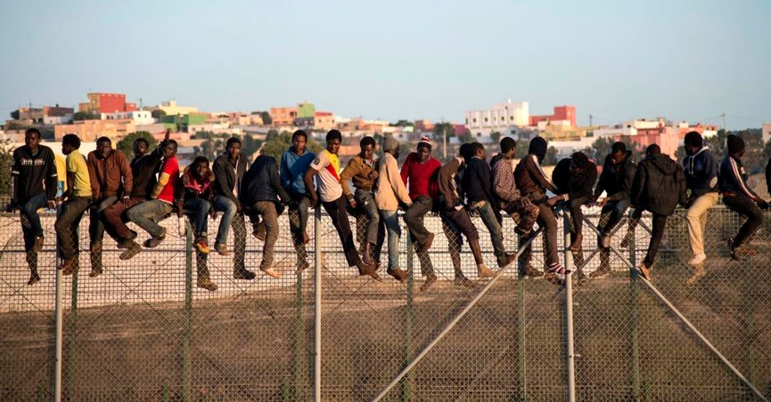 An American meme claimed that the difference was obvious between immigrants and illegal aliens but used a photograph from the Morocco and Spain border.