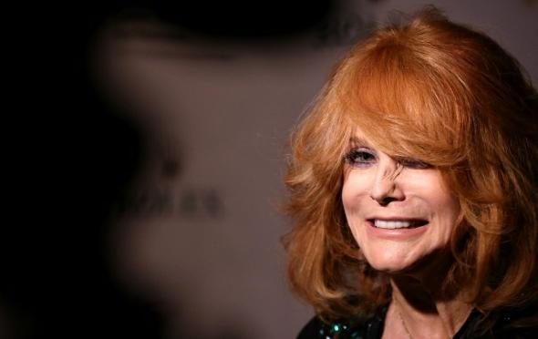 Ann Margret Thanks Soldiers