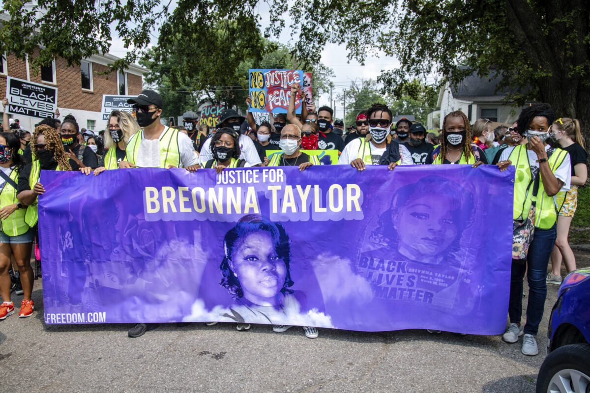 City To Pay Millions To Breonna Taylor S Mom Reform Police