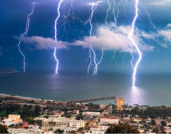 A similar eye-catching image has been widely reposted on the Internet with captions identifying it as a u201cLong Exposure Picture of a Lightning Bolt Hitting a ... & FACT CHECK: Is This Image a Long-Exposure Photograph of a Lightning ...